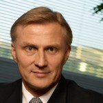Еще одно потрясение в компании Nokia: руководитель департамента мобильных решений Anssi Vanjoki подал в отставку