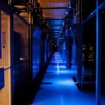 Инженеры Google занимаются обслуживанием секретных серверов в темноте