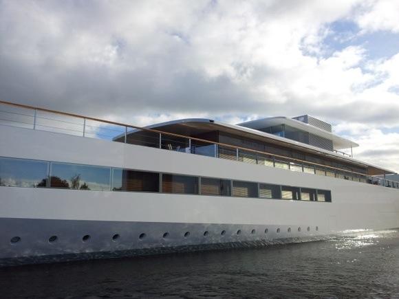 Яхта Джобса свободна и готова к плаванию