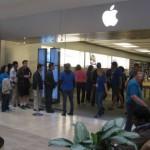 Посетительница Apple Store получила удар электрошоком