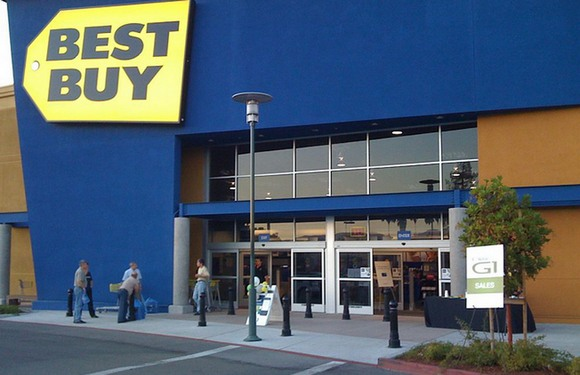 Best Buy судится с Walmart из-за скидки на iPhone 5