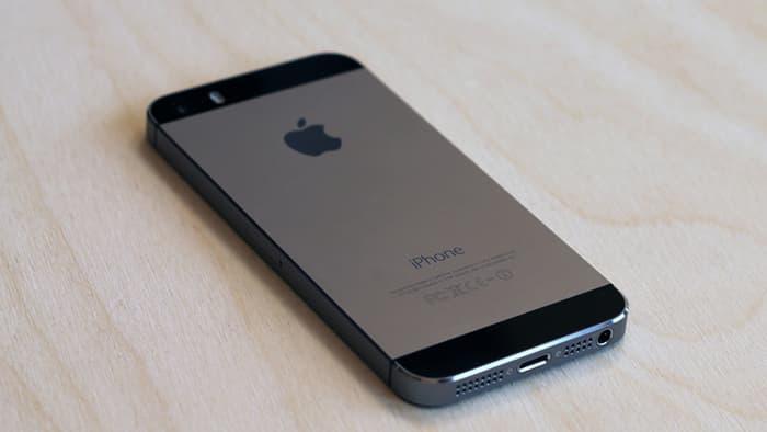 Дешевый iPhone получит увеличенный дисплей и выйдет в конце года
