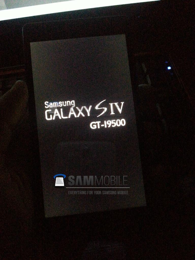 Galaxy S IV получит процессор Qualcomm и LCD-дисплей