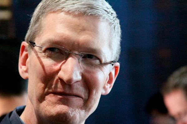 Тим Кук: больших дисплеев в iPhone не будет, осенью можно ждать новый продукт