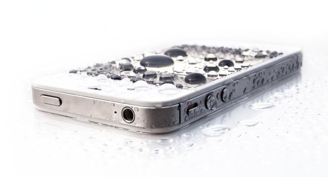 Первая помощь при попадании воды в iPhone