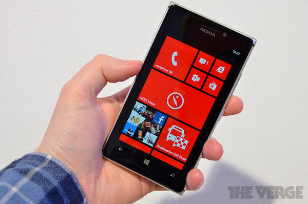 Nokia Lumia 925 — лучший смартфон… на Windows Phone