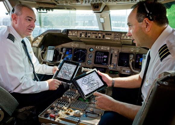 American Airlines сэкономит на топливе, обеспечив всех пилотов планшетами Apple