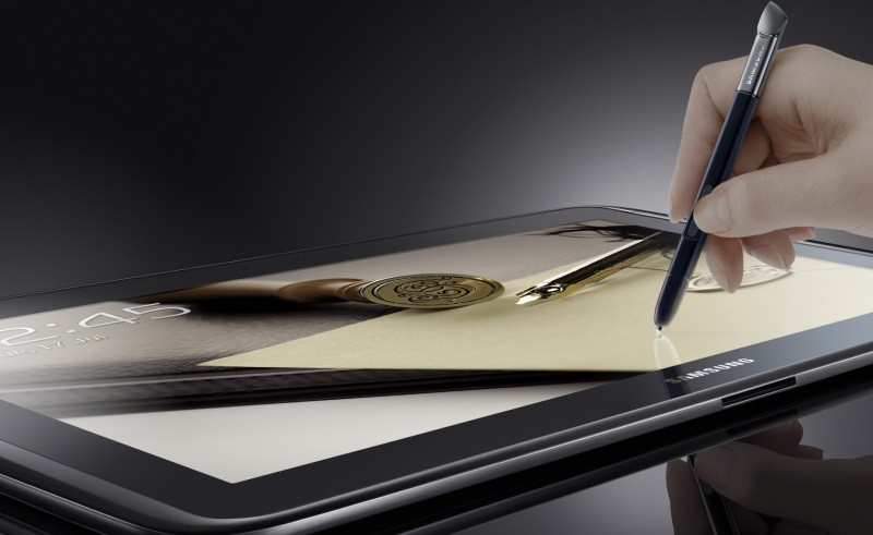 """Samsung работает над двумя мощными планшетами и """"умными"""" часами"""