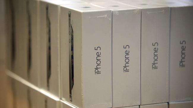 Apple ведет переговоры о прямых поставках iPhone в Россию