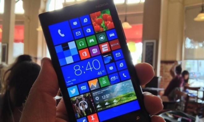 Nokia Lumia 825 получит 5,2-дюймовый дисплей и четырехъядерный процессор