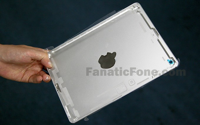 Утечка: фото задней панели белого iPad 5