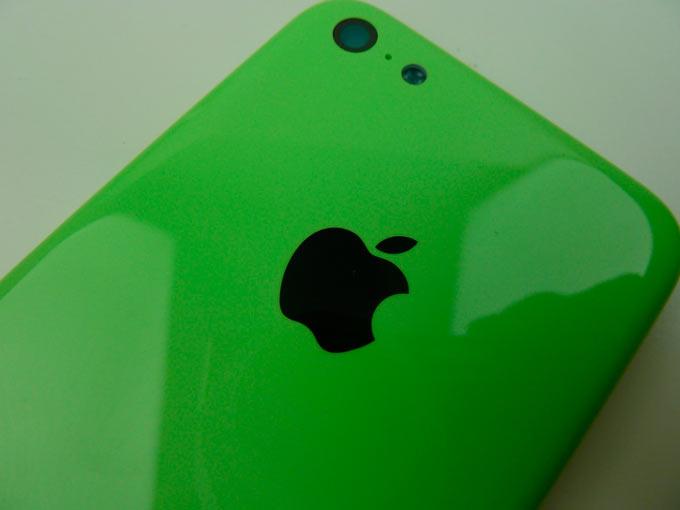 Пластиковый корпус iPhone 5C проверили на устойчивость царапинам