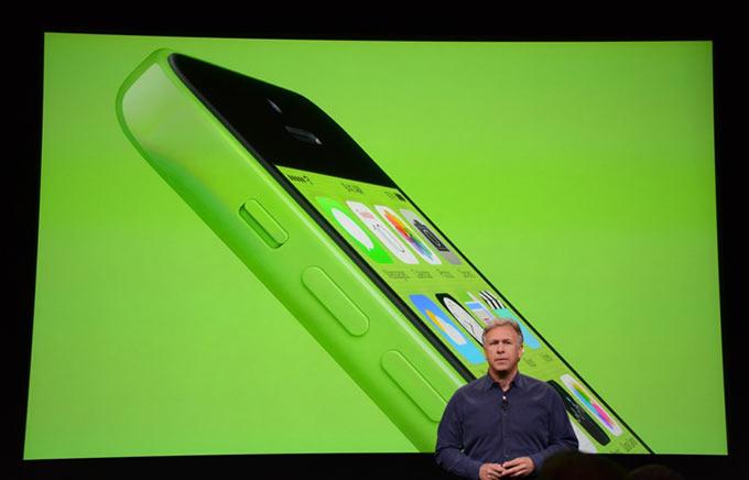 iPhone 5c. Яркий, пластиковый и бесшовный iPhone 5