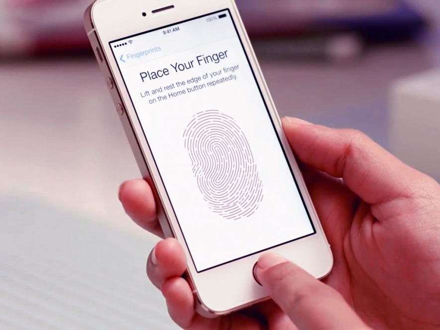 Биометрическую защиту в iPhone 5s можно легко обойти