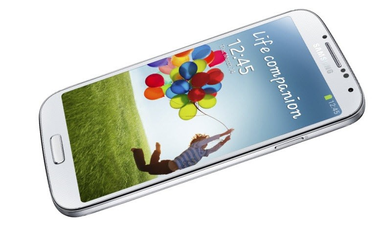 Продажи Samsung GALAXY S4 падают, но опережают конкурентов
