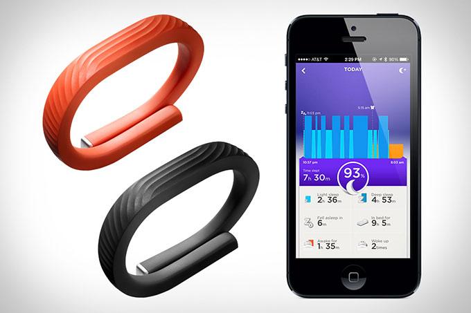 Спортивный браслет Jawbone UP все-таки стал беспроводным