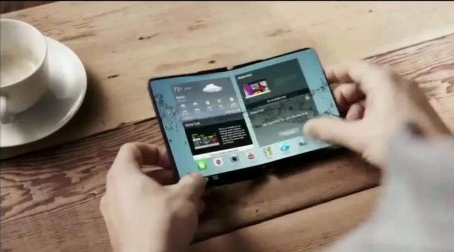 Уже через год Samsung выпустит смартфоны с полностью гибкими дисплеями