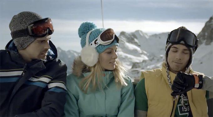 Предновогодний рекламный ролик смарт-часов Samsung Galaxy Gear. Корейцы не сдаются