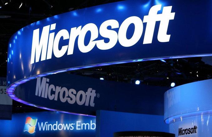 А не пора ли Microsoft снова стать чисто программной компанией? Иначе Apple и Google победят