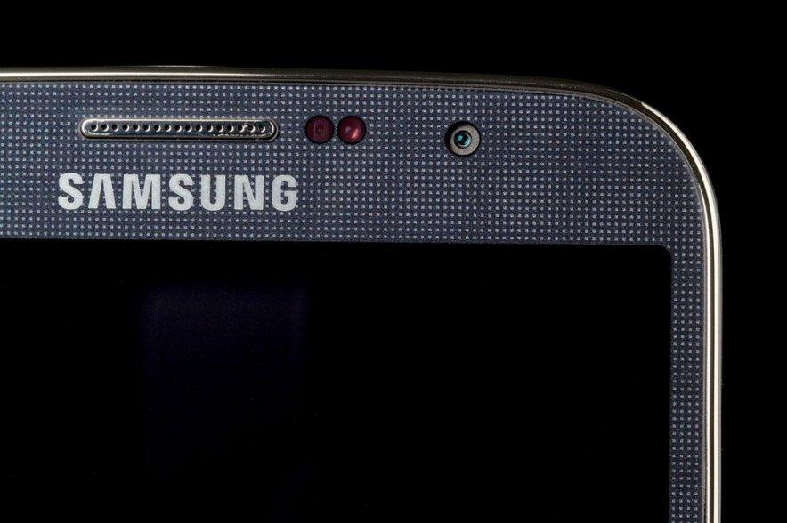 Bloomberg: Samsung GALAXY S5 появится к апрелю