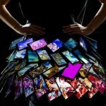 Nokia продемонстрировала юбку из 35-ти смартфонов Lumia 1520