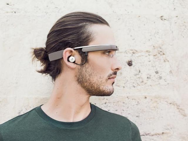 """Фанат Google Glass: от """"умных"""" очков болит голова"""