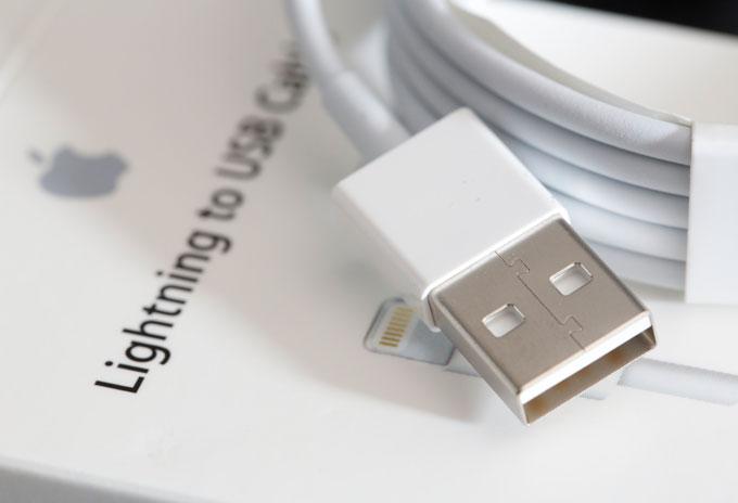 Медленная смерть кабеля Lightning: причины и последствия