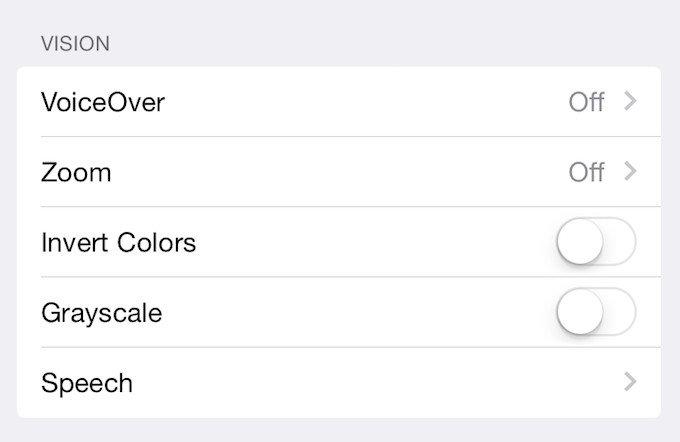 Apple добавила в iOS 8 черно-белый режим как у Samsung