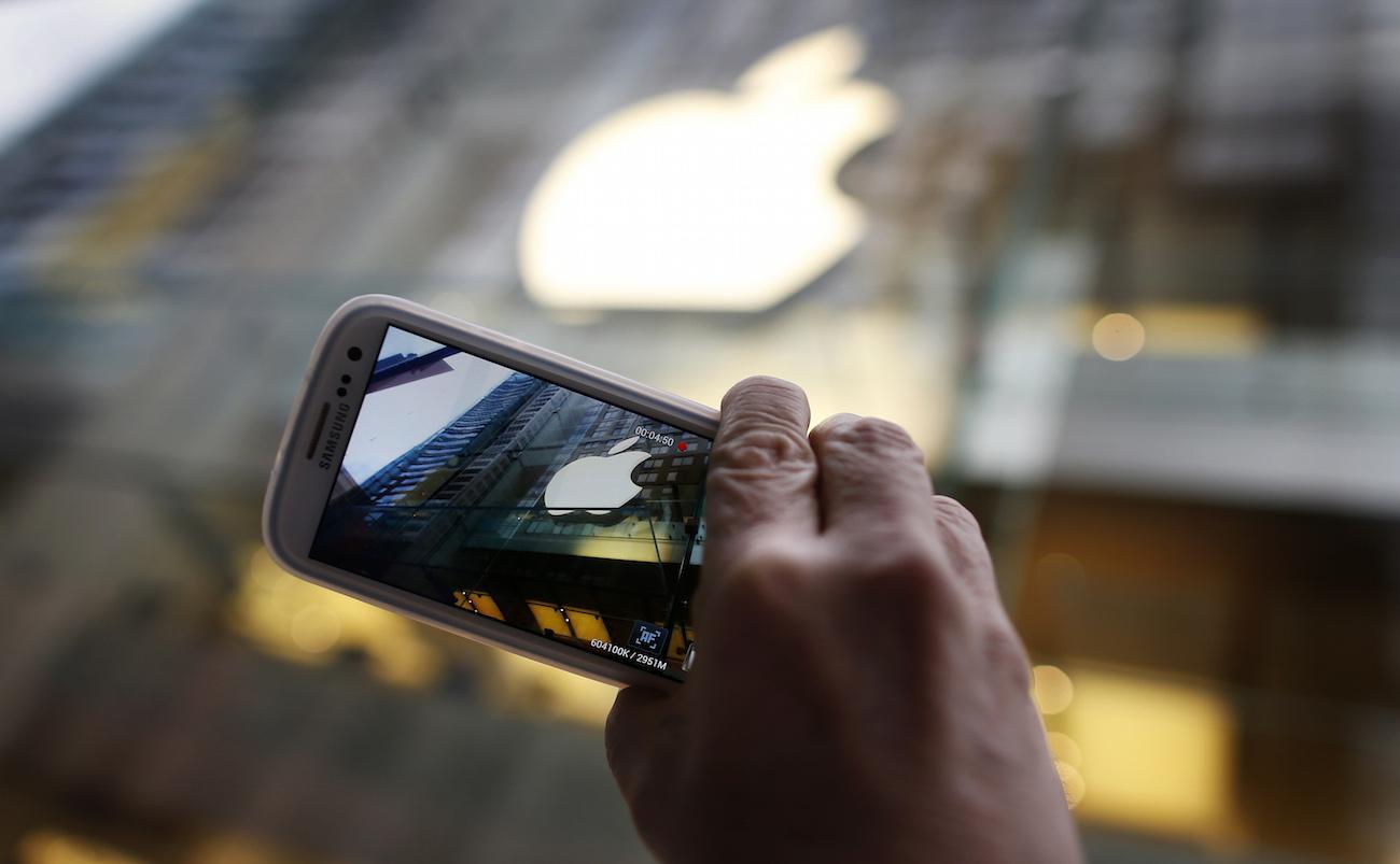 «Большие» iPhone привели к рекордным убыткам Samsung