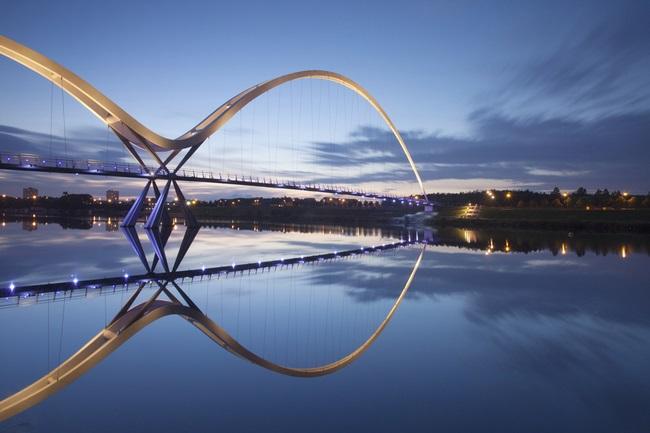 1_Мост бесконечности, Великобритания