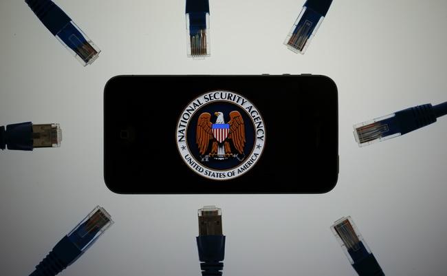 Apple заставит спецслужбы прекратить слежку за пользователями