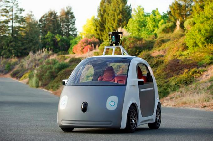 """Google представила первый законченный прототип """"гугломобиля"""""""