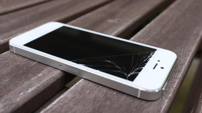 Система, которая позволит iPhone не разбиться [патенты]