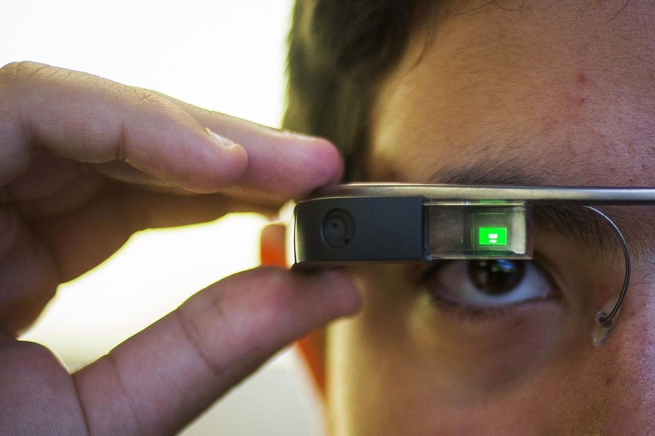 Intel спасет Google Glass от забвения
