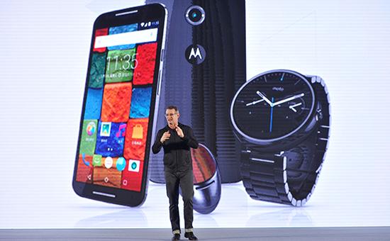 Motorola перенесла начало продаж телефонов в России из-за падения рубля