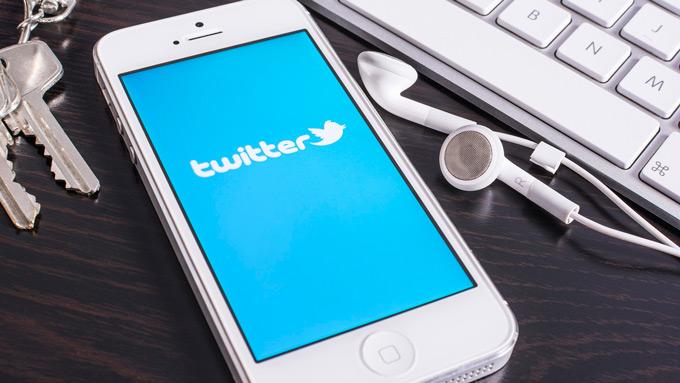 Twitter потерял 4 млн активных пользователей и попытался обвинить в этом Apple