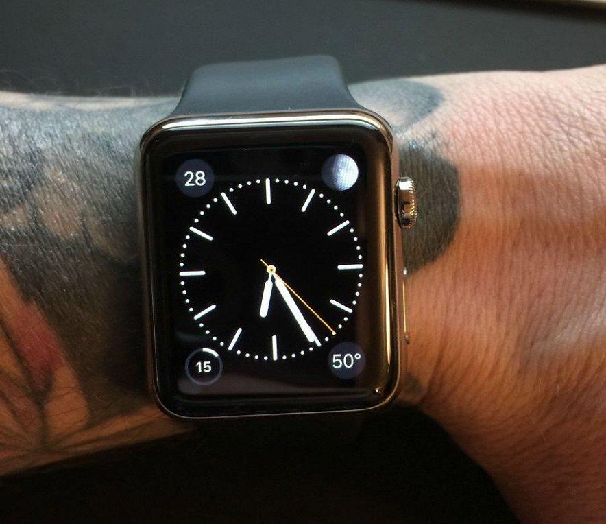 У Apple Watch новые проблемы: они не хотят работать на руке с татуировкой