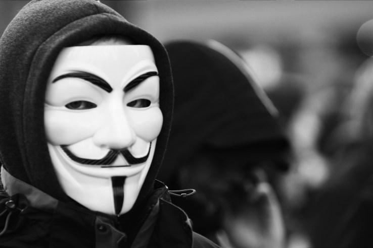 Хакеры из Anonymous объявили тотальную войну «Исламскому государству» после терактов в Париже