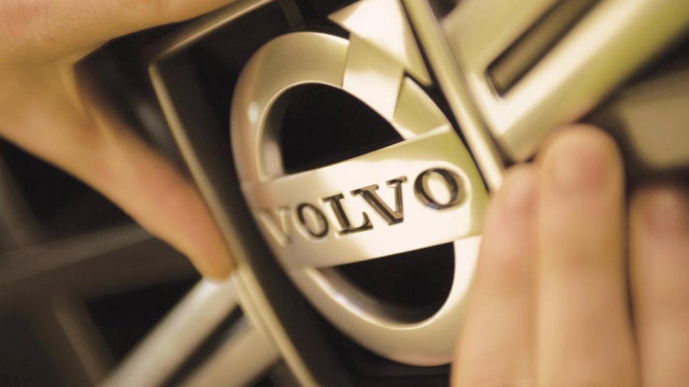Реклама беспилотного грузовика Volvo взорвала Интернет