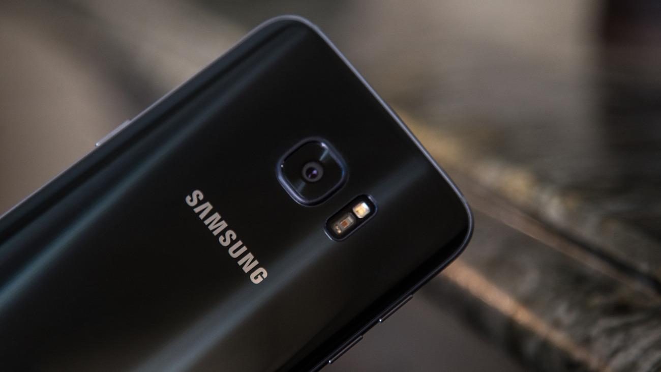 10 главных отличий нового Galaxy S7 от iPhone