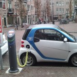 electric_car_charging_amsterdam-800x575