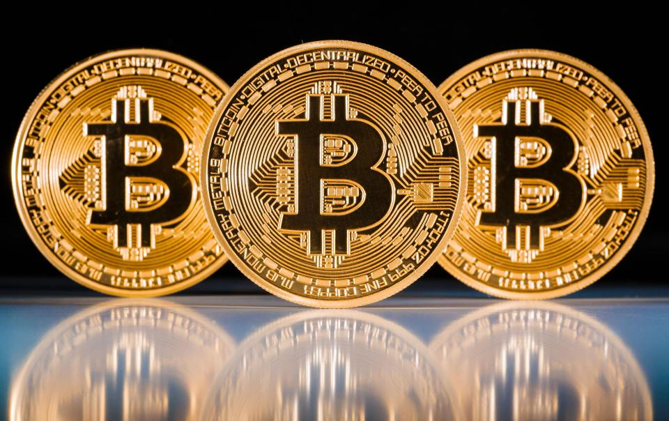 Стоимость биткоина установила новый рекорд, перевалив за $4000