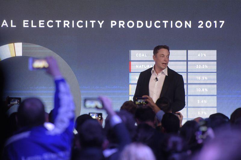 Илон Маск пообещал построить энергохранилище в Австралии за 100 дней. Он уже опережает срок