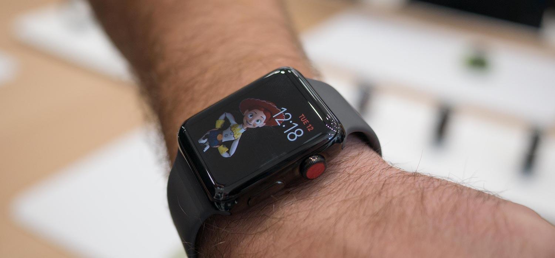 Ахаха! Apple Watch с LTE работают только там, где они куплены;)