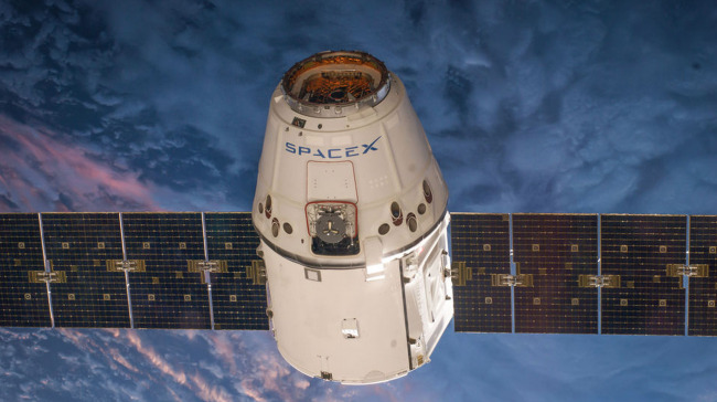 Грузовой корабль Dragon вернулся с МКС на Землю