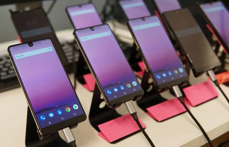 «Убийца» iPhone от создателя Android с треском провалился