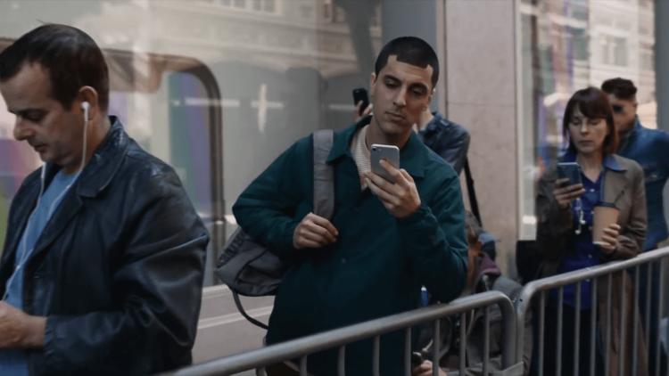 Samsung высмеяла Apple и iPhone X в новой рекламе