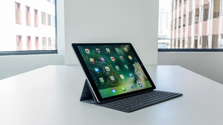"Глава Microsoft Сатья Наделла ""унизил"" владельцев iPad"