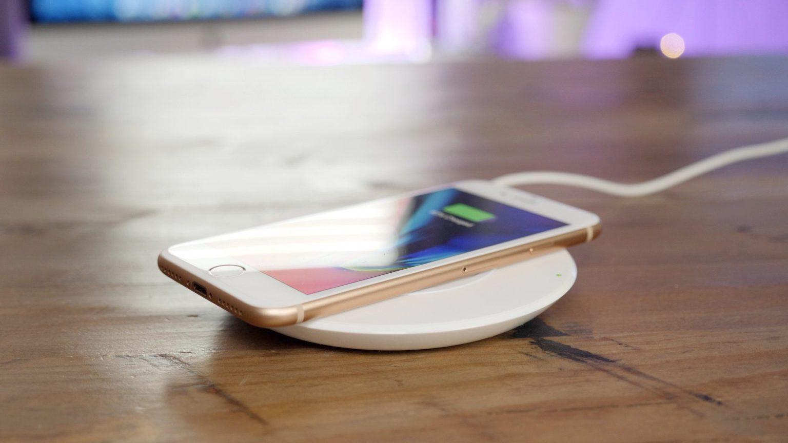 Ускоренная беспроводная зарядка в iOS 11.2 оказалась медленной