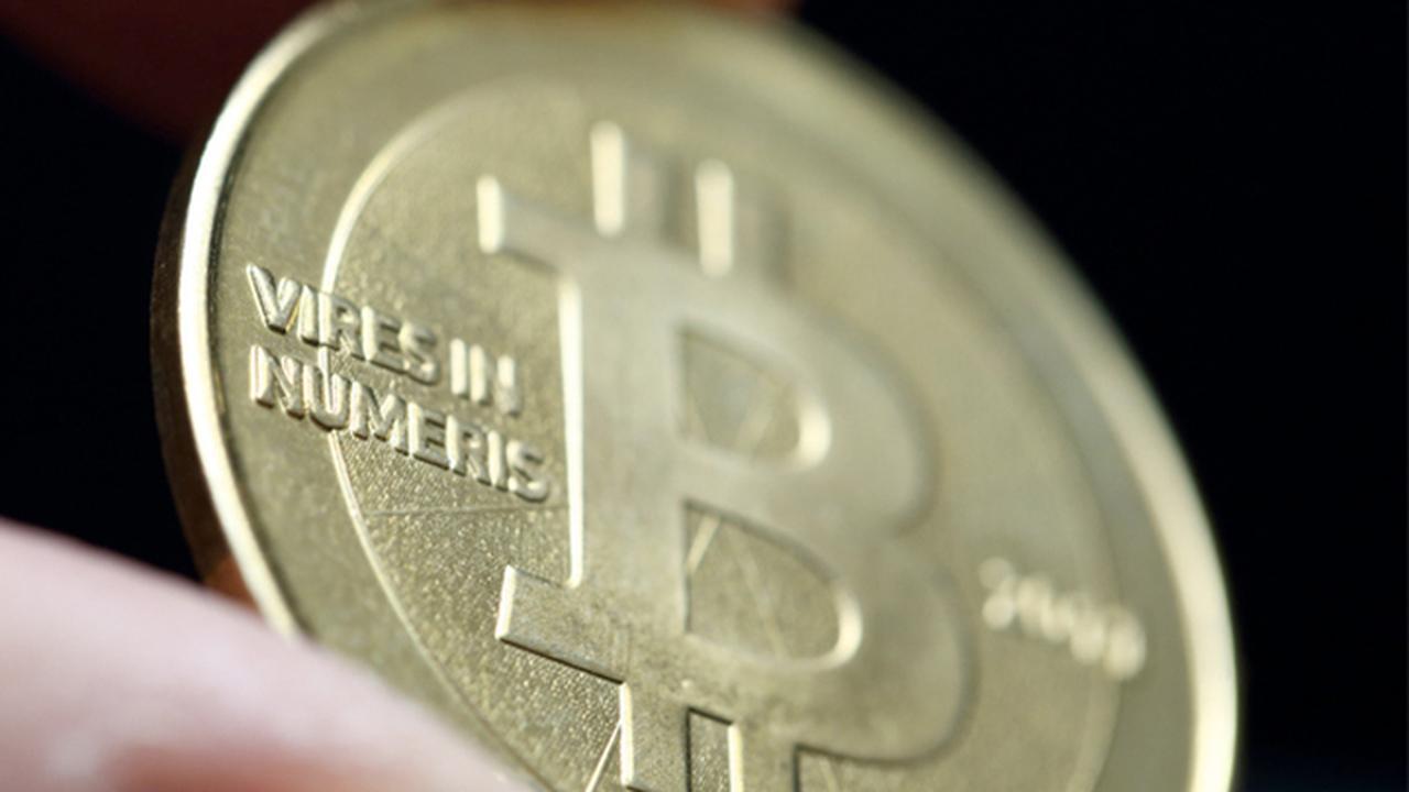 Bitcoin пережил крупнейшее падение в этом году. И потянул за собой другие криптовалюты
